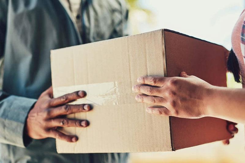 O que é logística reversa e por que é importante no comércio eletrônico?